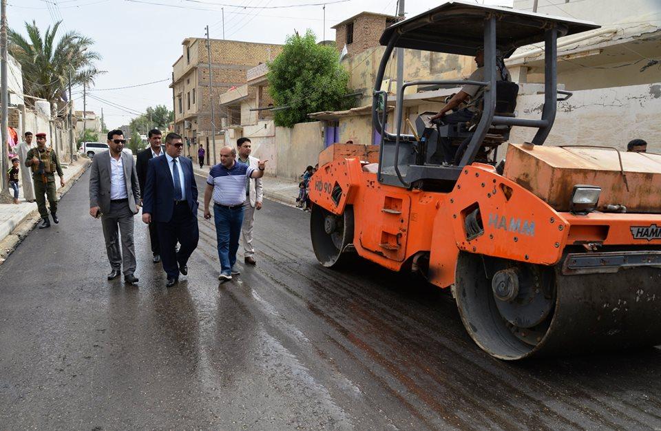 بتوجيه من محافظ المثنى .. بلدية السماوة تباشر في إعادة تأهيل واكساء شوارع حي الشرطة