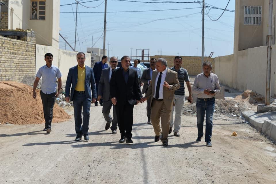 محافظ المثنى يطلع على عدد من المشاريع السكنية الاستثمارية في المحافظة