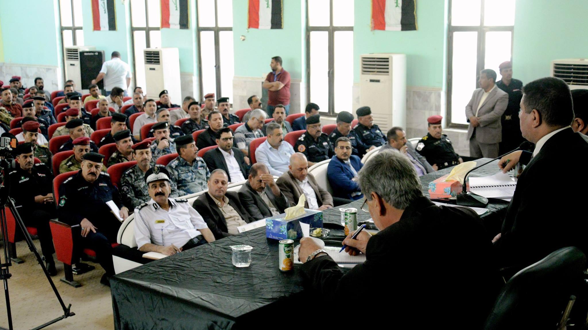 محافظ المثنى يعلن عن وضع خطة أمنية وخدمية لأحياء الشعائر الحسينية ويدعو المواطنين للتعاون مع الأجهزة الأمنية والخدمية لانجاح الخطة