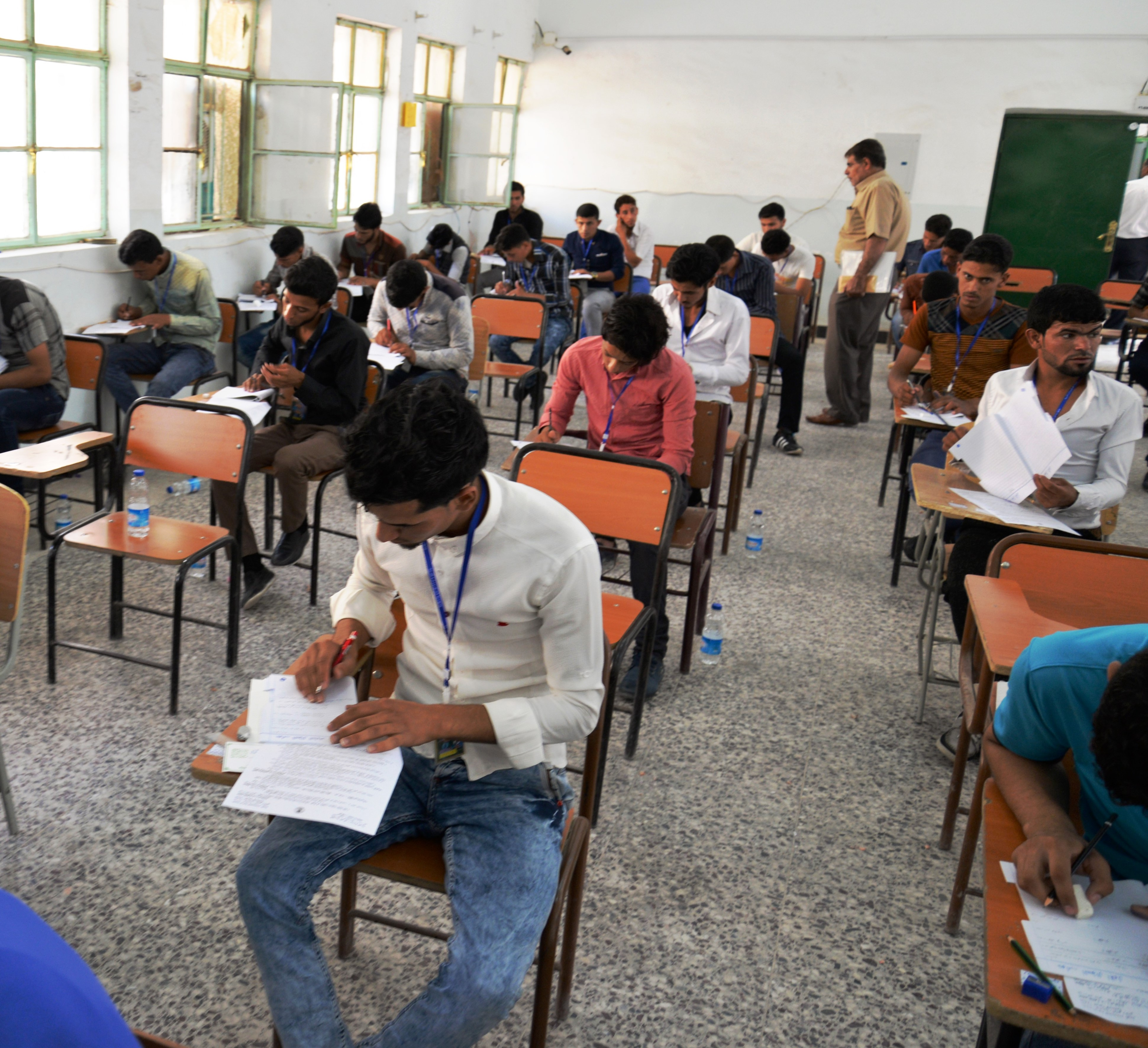 استكمال استعدادات اداء الامتحانات الوزارية للدراسة المتوسطة في المثنى