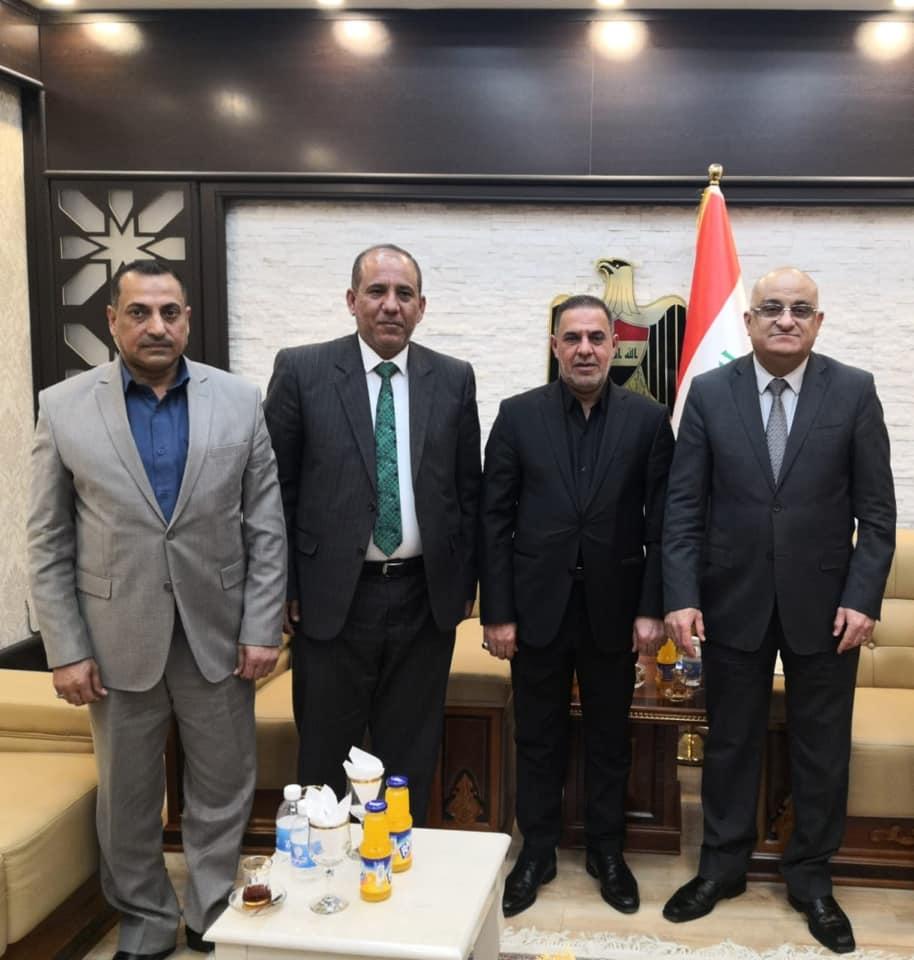 محافظ المثنى يلتقي وزير التجارة ويطالبه بتوفير مواد البطاقة التموينية في المحافظة
