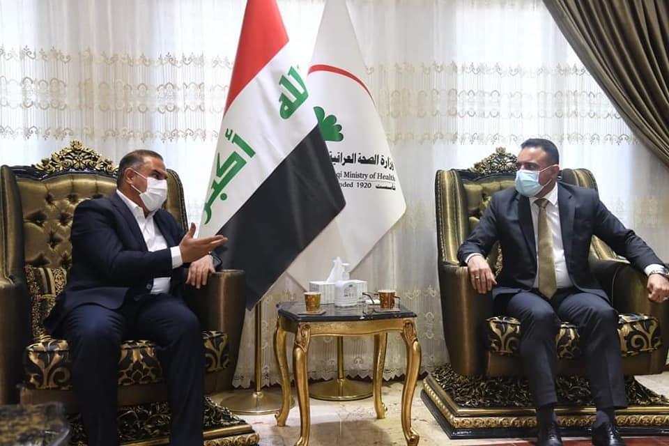محافظ المثنى يلتقي وزيرالصحة والبيئة في مقر الوزارة بالعاصمة بغداد